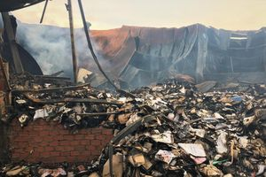 Yêu cầu chủ nhà kho bồi thường vụ cháy hồ sơ xe buýt ở Sài Gòn
