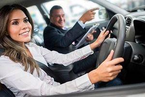 10 vật dụng nhất định phải mang theo khi lái ôtô
