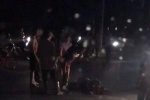 Hòa Bình: Cặp vợ chồng đi xe máy chết thảm sau va chạm ô tô