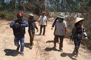 Bình Định họp 'nóng' vụ doanh nghiệp khai thác đất trái phép