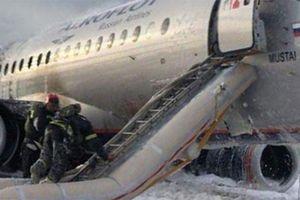 Các giả thiết khác về tai nạn máy bay Sukhoi 100 ở Nga