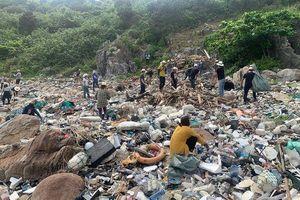 Hơn 10 ngày dọn rác, làm sạch bán đảo Sơn Trà đáng ngưỡng mộ của nhóm bạn đến từ Đà Nẵng