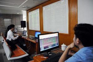 Chứng khoán và trái phiếu: 'Nút giảm áp' cho tín dụng