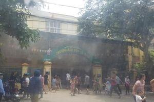 Lửa bùng cháy tại trường mầm non, phụ huynh giữa trưa phá cửa lao vào sơ tán gần 400 học sinh