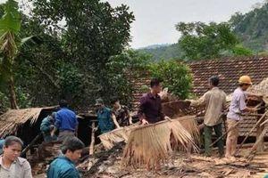 Nghệ An: Lốc xoáy làm hàng chục ngôi nhà bị đổ sập, hư hỏng