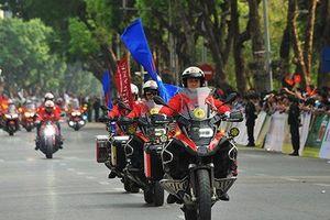 Ngắm dàn mô tô khủng bảo vệ đoàn đua xe đạp 'Về Điện Biên Phủ - 2019'