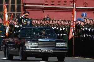 Dàn vũ khí 'khủng' của Nga diễn tập chào mừng Ngày chiến thắng 9-5
