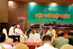 Xúc động buổi giao lưu với các cựu binh Điện Biên Phủ
