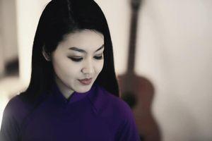MC Hồng Nhung khóc khi nghe những câu chuyện về Trường Sơn huyền thoại
