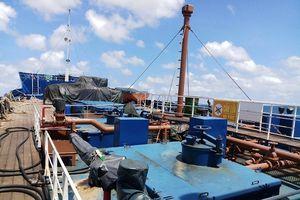 Liên tiếp bắt 2 tàu chở hơn 300 nghìn lít dầu không rõ nguồn gốc