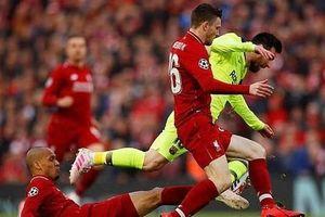 Messi tức giận 'chỉ thẳng mặt' hậu vệ Liverpool chơi xấu