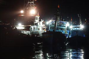 Xuyên đêm cứu nạn 16 ngư dân của đôi tàu Quảng Nam ở Hoàng Sa