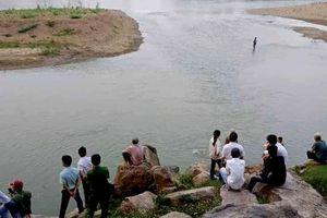 Ám ảnh 4 học sinh cùng lớp rơi vào vùng xoáy tử thần dưới sông Mã
