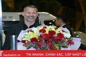 Ryan Giggs đến Hà Tĩnh lúc nửa đêm, sẵn sàng giao lưu với người hâm mộ
