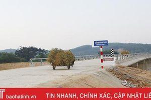 Cơ bản hoàn thành 2 cầu Hà Linh, Hương Thủy: Nối nhịp bờ vui