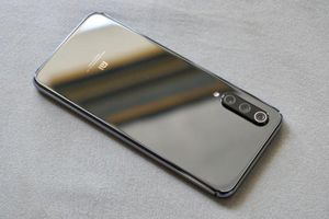 Xiaomi MI 9 và MI 9 SE chính thức 'lên kệ' tại Việt Nam từ ngày 9/5