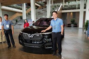 SUV hiệu suất cao VinFast Lux V8 đã có mặt tại Việt Nam