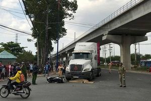Va chạm với xe container, người phụ nữ tử vong tại chỗ