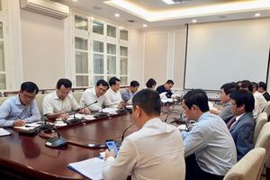 Deputy Minister Le Quang Hung worked with VACC