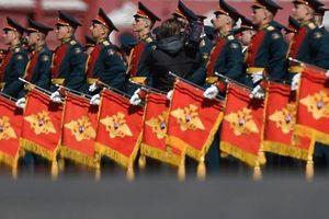 13.000 binh sĩ hô lớn 'Ura' trong lễ diễu binh trên Quảng trường Đỏ