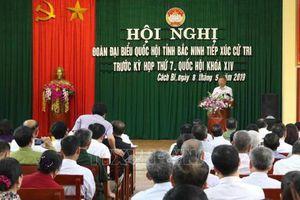 Đại biểu Quốc hội tiếp xúc cử tri trước kỳ họp thứ 7