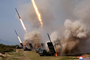 Mỹ tiếp tục gây sức ép sau khi Triều Tiên thử vũ khí