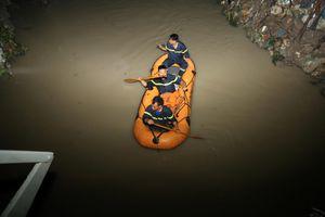 Hai học sinh bị nước cuốn trôi sau cơn mưa lớn ở Biên Hòa, Đồng Nai