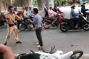Hà Nội: Tấn công CSGT để giải cứu bạn bị kiểm tra nồng độ cồn