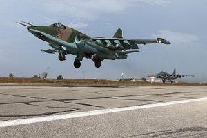 Chiến đấu cơ Nga xuất hiện tại sân bay gần thành cổ Palmyra