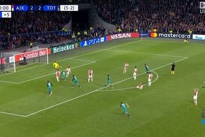 Ajax 2 - 3 Tottenham: Phút bù giờ định mệnh...