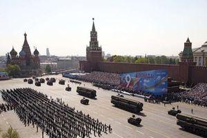 Sửng sốt với sức mạnh của Nga phô diễn tại Lễ duyệt binh trên Quảng trường Đỏ