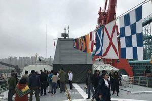 Tàu chiến Việt Nam mở cửa đón khách tham quan ở Thanh Đảo