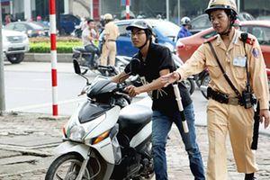 Vi phạm lỗi gì bị CSGT tịch thu xe máy?