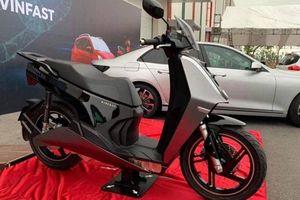 Xe máy điện VinFast V9 bất ngờ xuất hiện, có gì đặc biệt?
