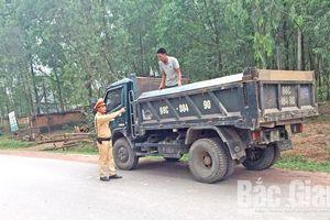 Bắc Giang: Cao điểm xử lý xe quá khổ, quá tải