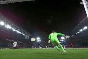 David Luiz giúp Chelsea vào chung kết với pha cứu thua trên vạch vôi