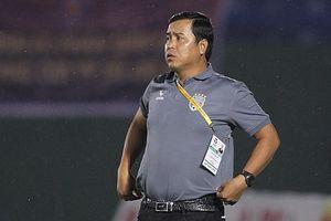 HLV Bình Dương bỏ dở trận đấu khi đội bóng đang thắng Sài Gòn