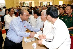 Thủ tướng tiếp xúc cử tri tại Kiến Thụy, Hải Phòng