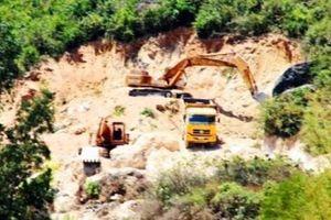 Khai thác đất trái phép núi Mò O: Dân tử vong vì phản đối, chính quyền hành xử ra sao?