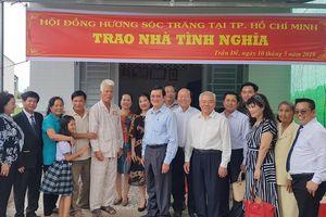 Nguyên Chủ tịch nước Trương Tấn Sang trao nhà chính sách tại Sóc Trăng
