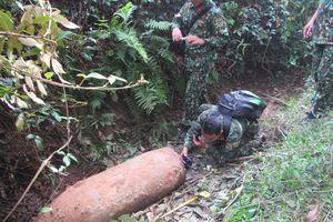 Định cưa bom 340 kg lấy thuốc nổ, bị phát hiện, tiêu hủy