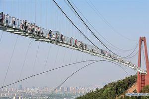 Khám phá cầu kính Giang Âm dài hơn 500m tại Giang Tô, Trung Quốc