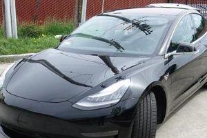 Siêu xe chạy điện Tesla Model 3 đầu tiên về Viêt Nam có gì đặc biệt?