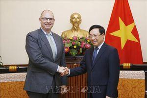 Phó Thủ tướng Phạm Bình Minh tiếp Đại sứ Đan Mạch và Đại sứ Bulgaria