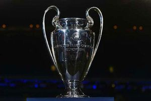Thay đổi lớn gây tranh cãi ở UEFA Champions League