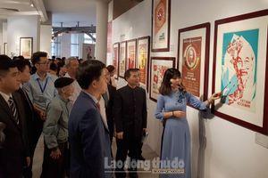 Trưng bày 60 tác phẩm 'Chân dung Hồ Chí Minh - Góc nhìn từ tranh cổ động'