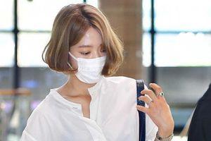 Hyun Bin 'cool ngầu', Park Shin Hye gây sốt với màu tóc mới tại sân bay: K-net phản ứng ra sao?