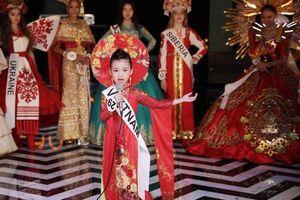 Cô bé 6 tuổi Bảo Anh đoạt giải đặc biệt Hoa hậu Hoàn vũ nhí 2019