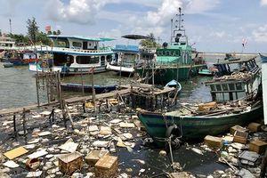 Đảo ngọc Phú Quốc (Kiên Giang): Ô nhiễm môi trường biển vì ngập rác thải