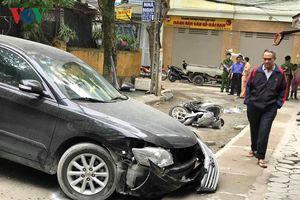 Hiện trường vụ nữ tài xế lùi xe Camry cán chết người ở Hà Nội
